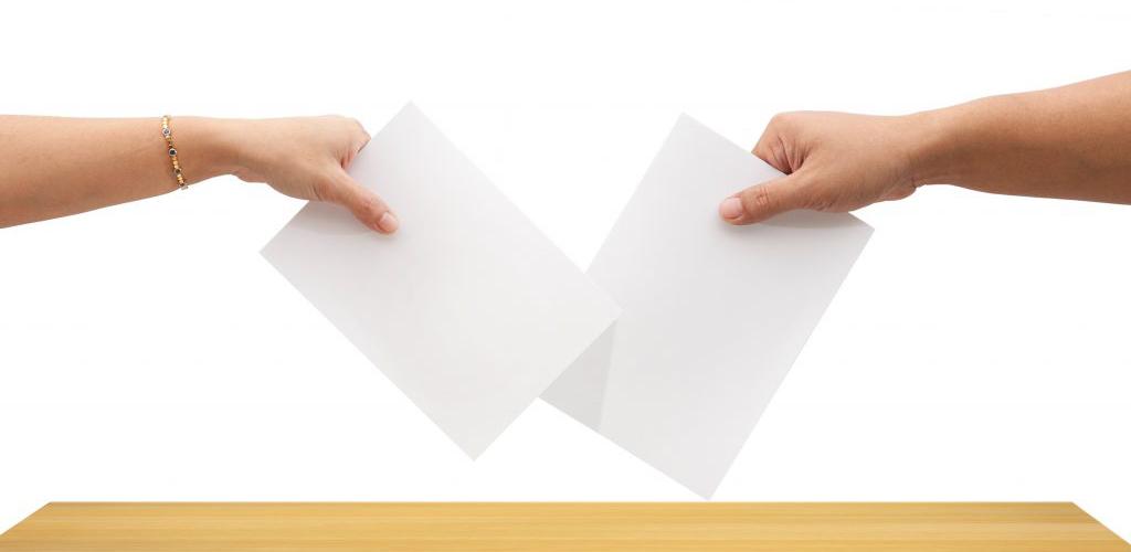 condômino inadimplente pode votar em assembleia
