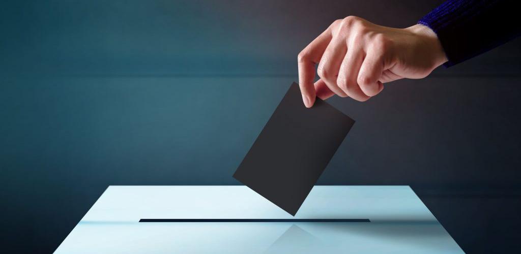 síndico vota em assembleia de reeleição